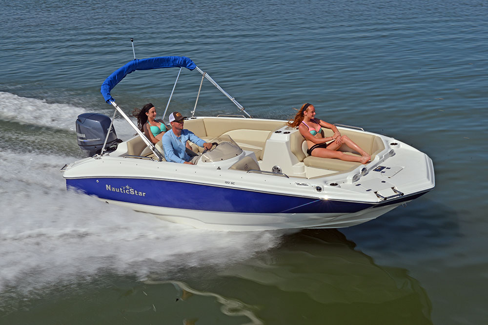 NauticStar 193SC on water