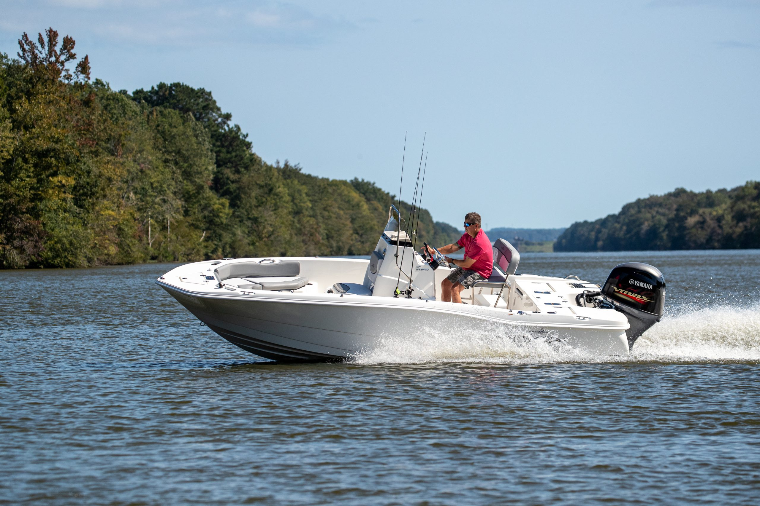A running shot of a NauticStar 191 Hybrid with no T-Top